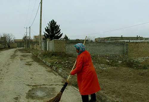 معرفی تنها خانم رفتگر ایرانی + عکس