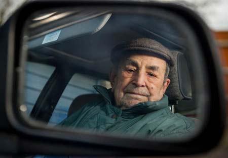 تصاویر پیرترین و قدیمی ترین راننده دنیا