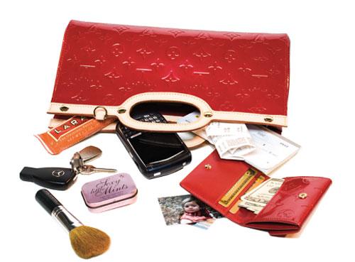 وسیله هایی که هر خانمی باید در کیفش داشته باشد +عکس