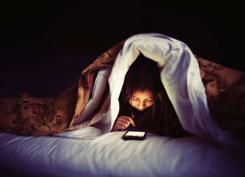 آیا باید در مورد سرطان زا بودن تلفن های همراه نگران باشیم یا خیر ؟!