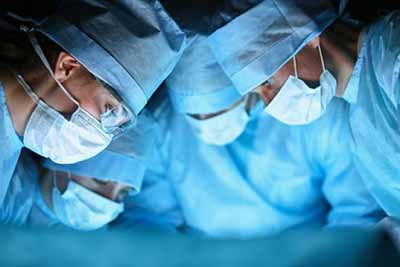 اولین جراحی پیوند سر انسان